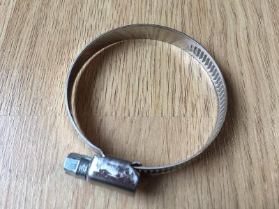 Nová kovová stahovací páska 40-60mm na klíč/šroubovák (více ks)