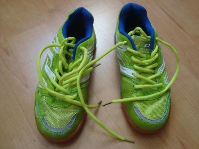 Sportovní salove botasky vel 35