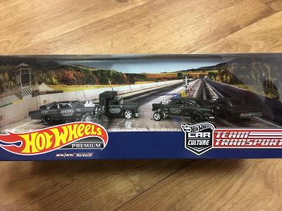 "Hot Wheels Team Transport diorama ""Black Hole"" - Premium Real Riders"