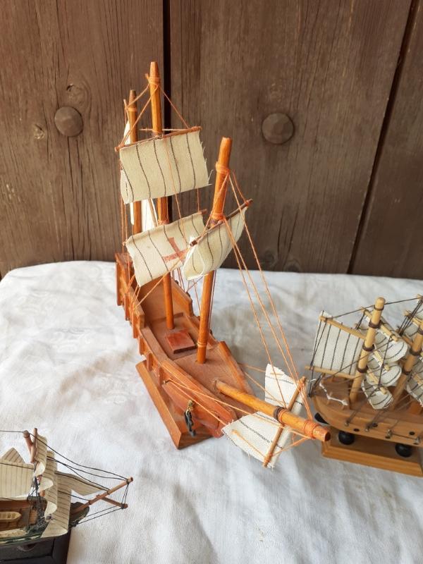 Tři Malé Dřevěné Modely Lodí  !!!  - Modelářství