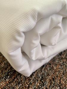 AKCE    Krásné damaškové povlečení - jemný úzký proužek bílý