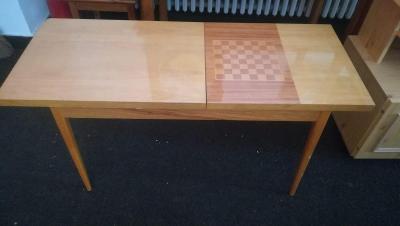 Retro šachový stolek