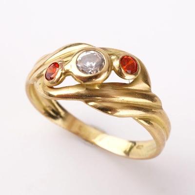 Zlatý prstýnek s kamínky v52.5