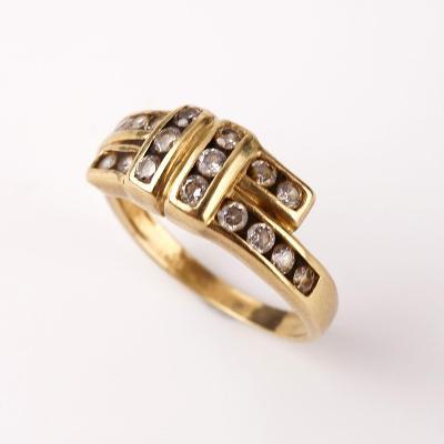 Zlatý prstýnek s kamínky v57