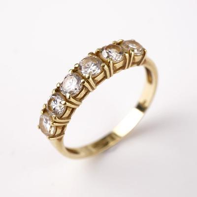Zlatý prstýnek s kamínky v55