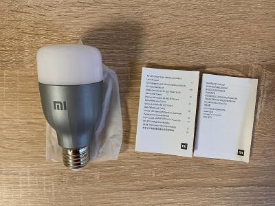 Chytrá žárovka Xiaomi Mi LED smart Bulb ( bílá a barevná)  (1 ks)