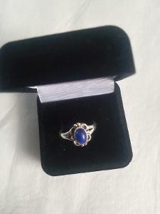 Stříbrný prstýnek s kamenem lapis lazuli