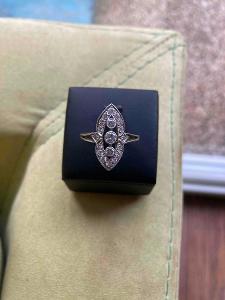 Dámský prsten s brilianty