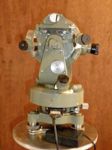 Theodolit Meopta Th 30x 400gon s osvětlením.