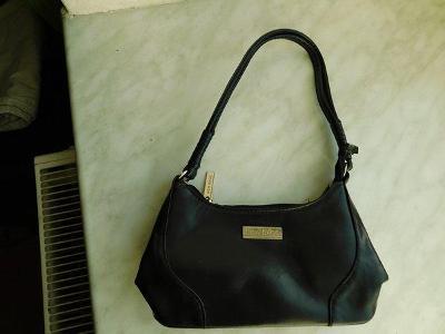 Pěkná malá černá kabelka New Bags