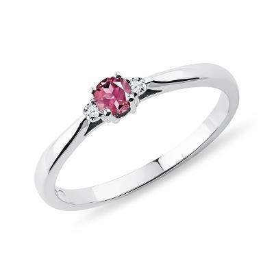 Prsten z bílého zlata s turmalínem a diamanty