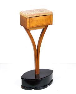 Šicí stolek  Biedermeier, 1830ca