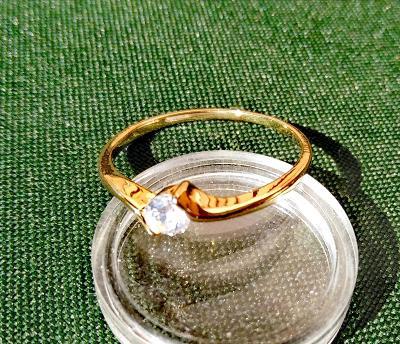 Prsten 18K 3x pozlacený zirkon 19mm *313