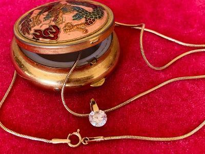 Zlatý náhrdelník14K ve starožitné šperkovničce
