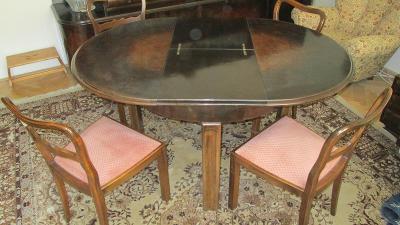 rozkládací stůl polstrované židle 30. léta 20. st.