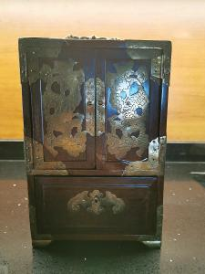 Šperkovnice dřevo-kov