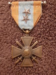 Francie - Válečný kříž 1914-18pro zahraniční operace TOE, 2 x citace