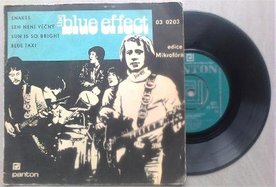 EP Blue Effect - Snakes, Blue taxi, Sen není věčný, Sun Is So Bright