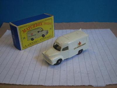 MATCHBOX - RW 14c LOMAS AMBULANCE