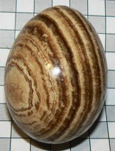 Aragonit, leštěné vejce H