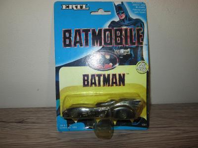 ERTL BATMAN BATMOBILE DIE CAST METAL 1989 (131)