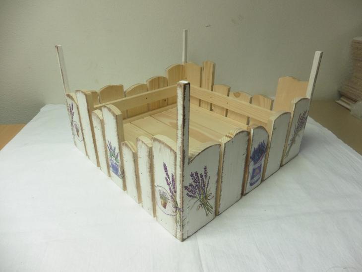 Dřevěná  bedýnka nerovnoměrná - Zařízení