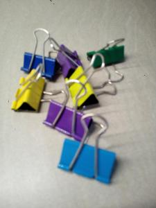 Kancelářské sponky velké barevné - 7 kusů - viz foto