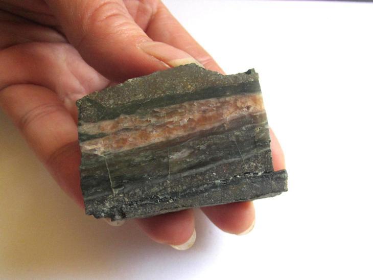 ŽÍLOVINA - KOZÁKOV - 1str. leštěná - ČESKÁ REPUBLIKA     Č.R. (HA 312) - Minerály a zkameněliny
