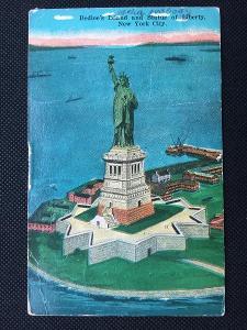 USA 1930 stará pohlednice NEW YORK CITY / STATUE of LIBERTY