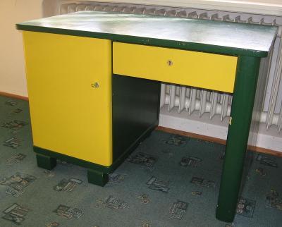 Stůl psací dřevěný