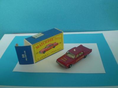 MATCHBOX - RW 59b FORD FAIRLANE FIRE CHIEF CAR