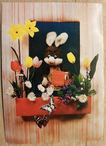 Pohlednice Veselé Velikonoce - loutka králíčka
