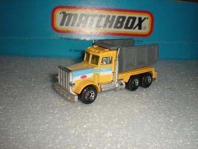 Matchbox Peterbilt sklápěčka r.1985