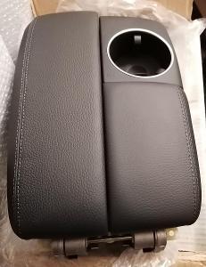 Audi Q7 originál nová kompletní kožená loketní opěrka