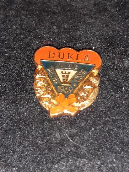 Odznak Dukla Jihlava mistr ČSSR 1969 - lední hokej, modročervená var. - Faleristika