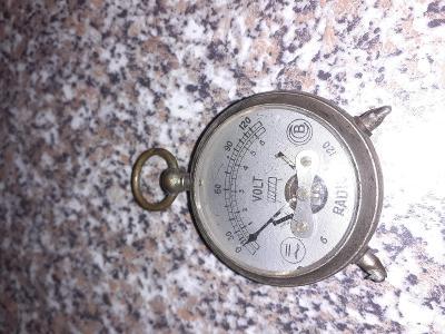 Starý voltmetr