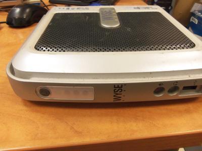 Šikovný hezký minipočítač WYSE Vx0 od 1,- Kč