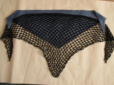 Starý pletený a látkový šátek ČSSR