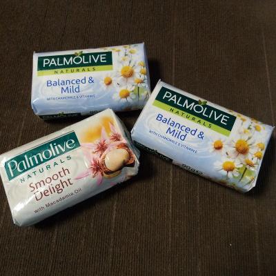 3 mýdla PALMOLIVE á 90 g, 2 x heřmánek a 1 x vanilka