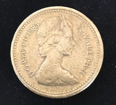 1 Libra / Velká Británie - 1 Pound 1983 / od korunky