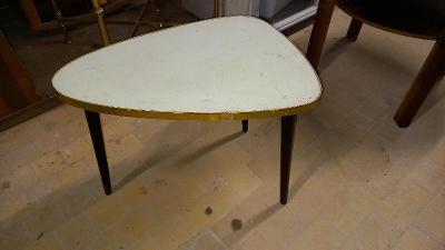 Retro stolek (Trsatko)