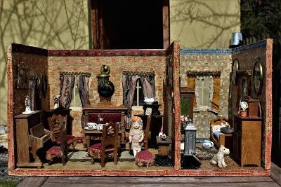 stary pokojiček pro panenky