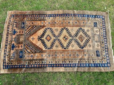 Hodně starý ručně vázaný koberec - Vzácný kousek !