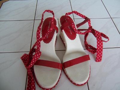 Letní sandále koupeno v US -  stélka 27 cm