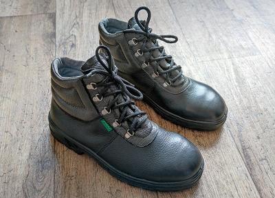 Nová kotníková pracovní obuv PRABOS - vel. 8 + drobný dárek