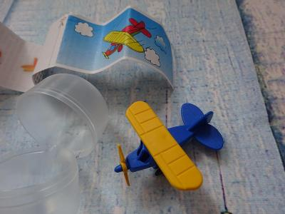 1Kč Letadélko hračka z čoko vajíčka