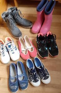 Mix dívčích bot, vel. 37 ... od 1,-  Kč