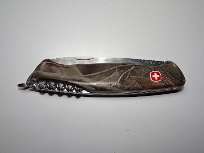 Nůž multifunkční Wenger - kamufláž / SWISS