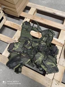 Taktická - slaňovací vesta MNS-2000 lesní ačr vz.95 TYP B - použitá