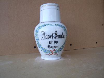 porcelánový džbán r.1899